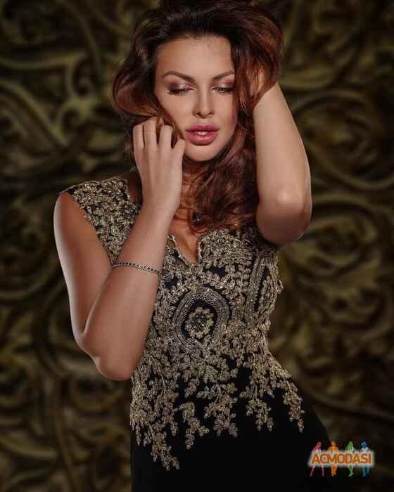 Russian brunette hairy princess